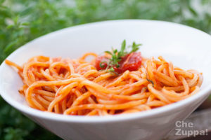Spaghetti al sugo di pomodorini confit