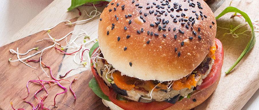 Veg Burger di melanzane con composta di zuccanella