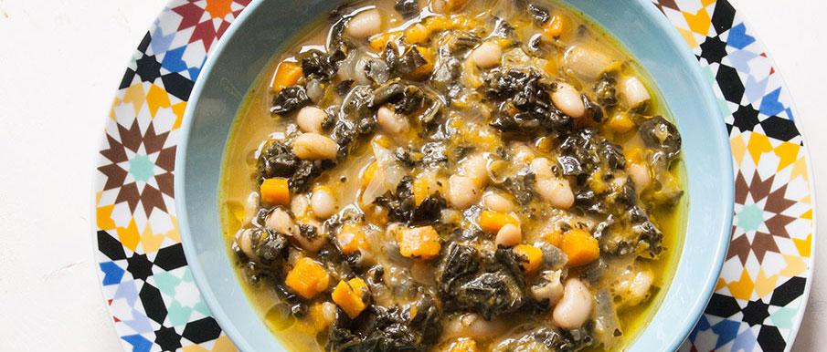 Zuppa di cavolo nero, zucca e cannellini