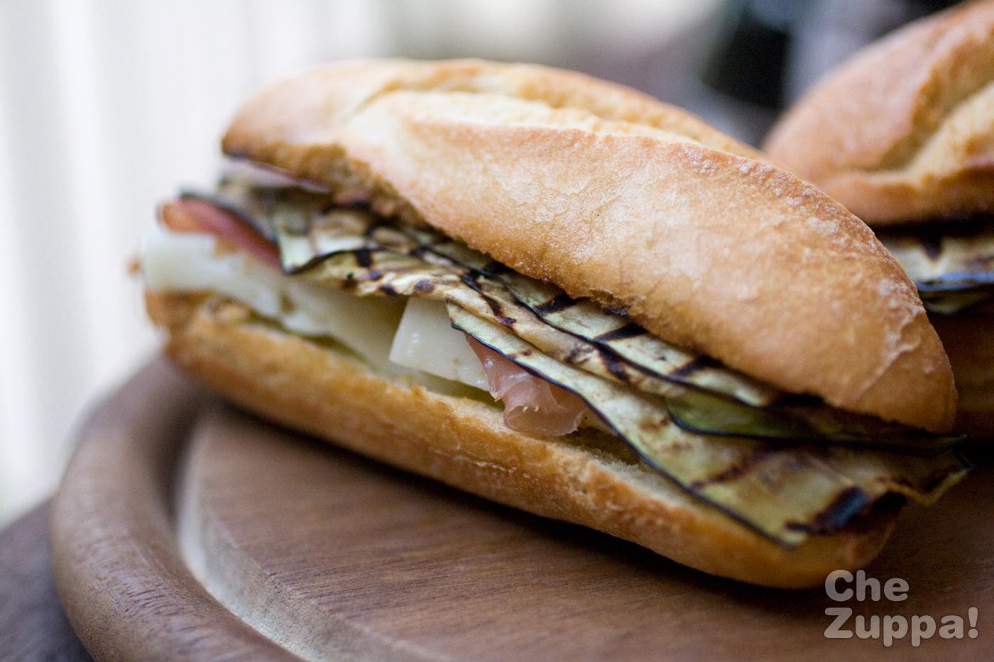 panino-melanzane-crudo-asiago3