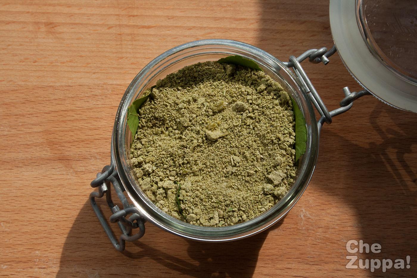 Sale alle erbe aromatiche fatto in casa chezuppachezuppa - Erbe aromatiche in casa ...