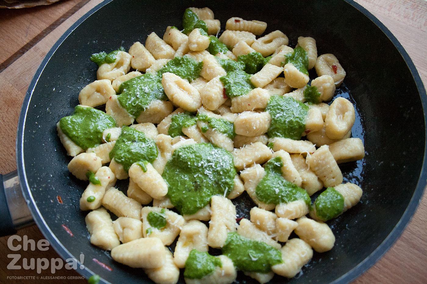 gnocchi di polenta con pesto di erbette