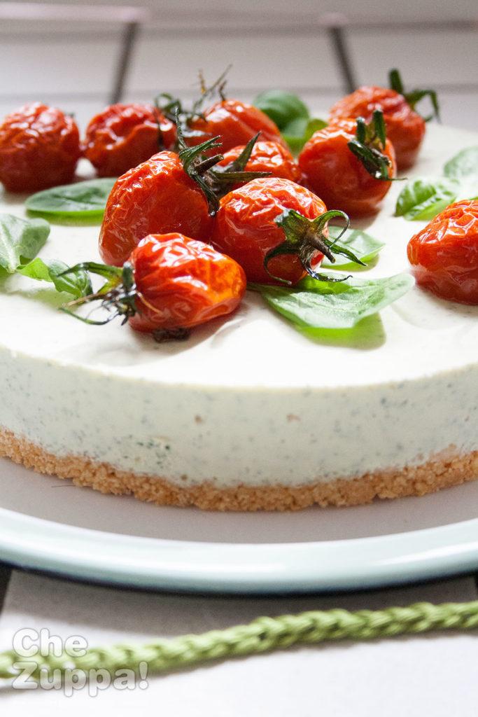 Ricetta torta cheesecake salata alle erbe aromatiche.