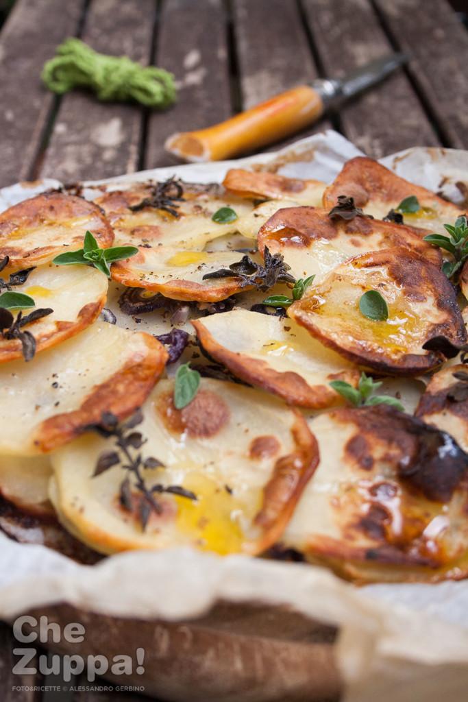 Ricetta Teglia di patate e cipolle all'origano