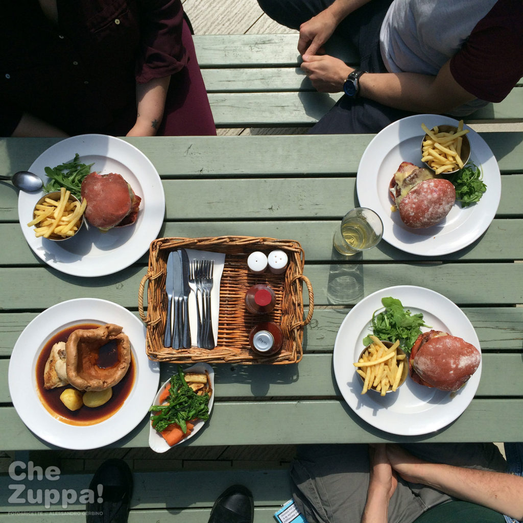 Suffolk sunday roast, cibo da pub