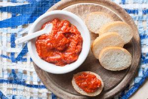 crema di peperoni da spalmare su bruschette