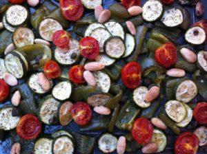 verdure al forno con mandorle e capperi