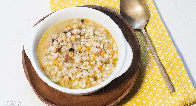 zuppa di legumi e orzo