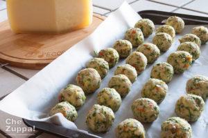 Polpette di zucchine pecorino toscano dop e fiori di zucca - preparazione della ricetta