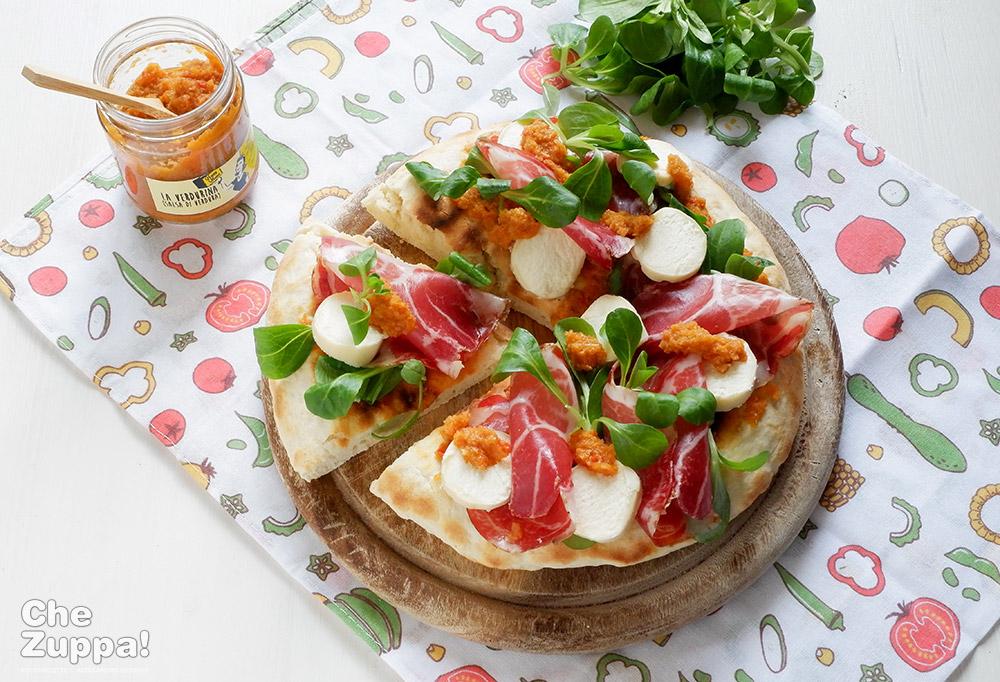 Pizza espressa cotta in padella senza lievitazione
