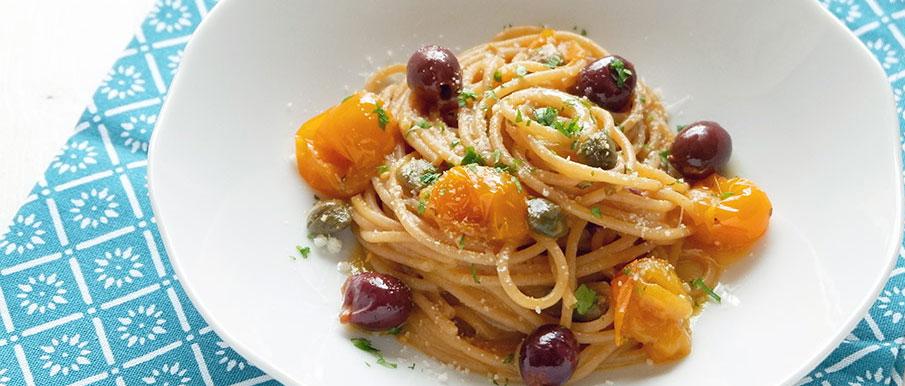 Spaghetti alla puttanesca gialla