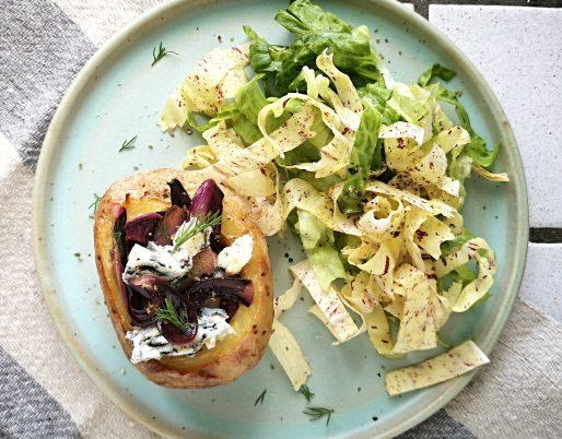 Patate ripiene con radicchio e gorgonzola