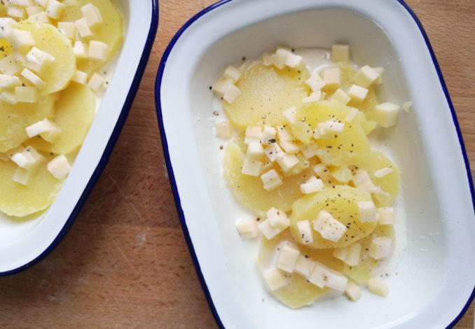 La cottura della provola e patate gratinate al forno