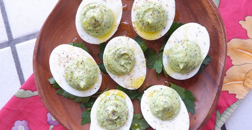 Uova ripiene in verde