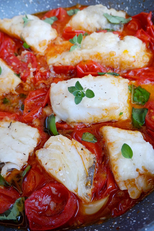 baccalà alla pizzaiola - ricette per l'estate di Alessandro Gerbino
