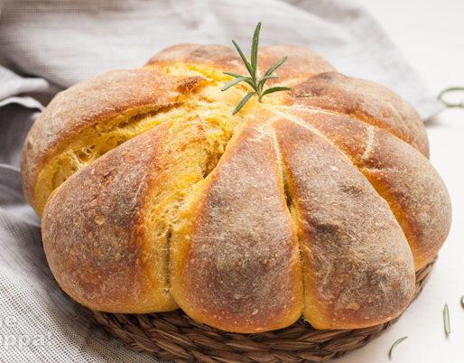 Pane alla zucca (a forma di zucca)