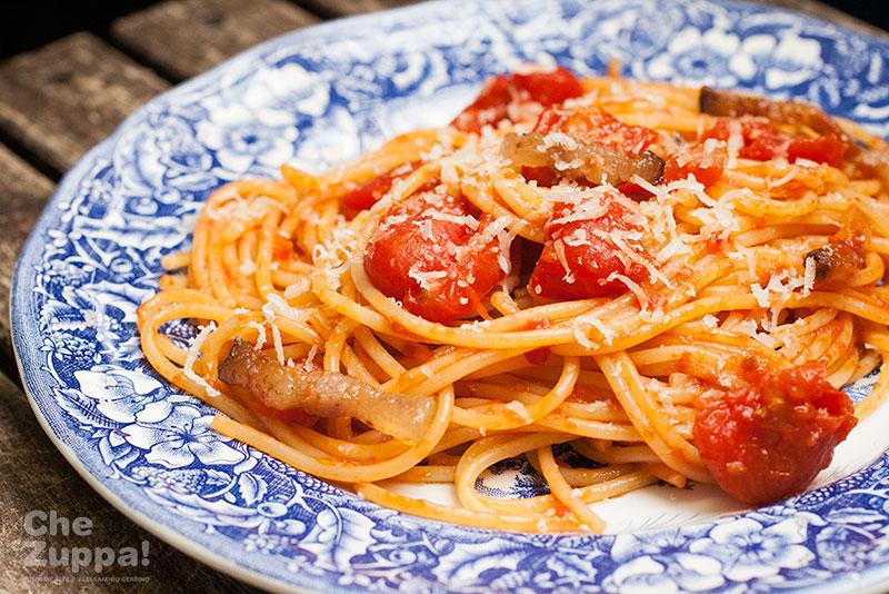 Ricetta spaghetti all'amatriciana, cucina regionale italiana