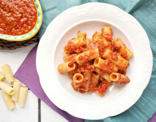 Ragù con le croste di parmigiano reggiano
