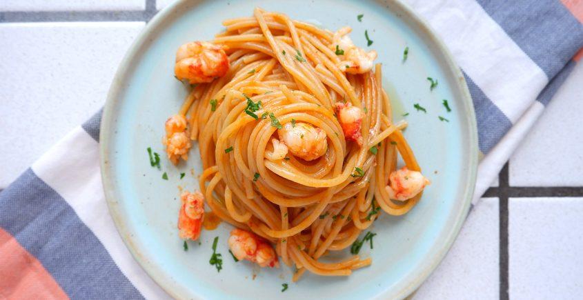 spaghetti con gamberi e bisque