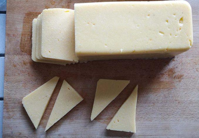 preparazione della polenta fritta - riutilizzare la polenta avanzata
